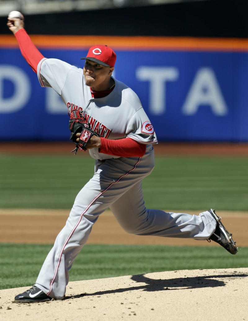 Reds' Simon sharp in 1st start in 2 years