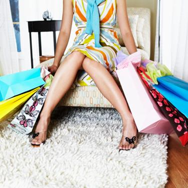 Woman-with-shopping-bags_slideshow