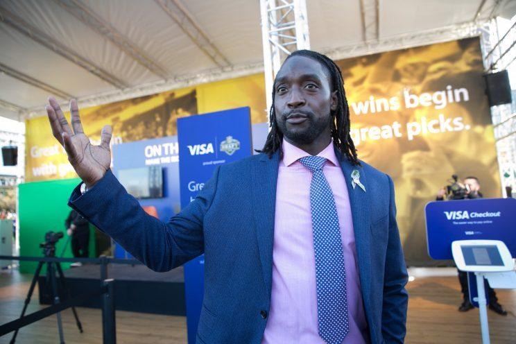 Charles Tillman to retire