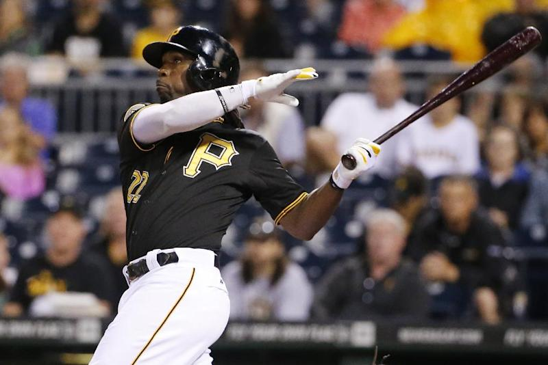 McCutchen homers and Pirates beat Cubs 4-2