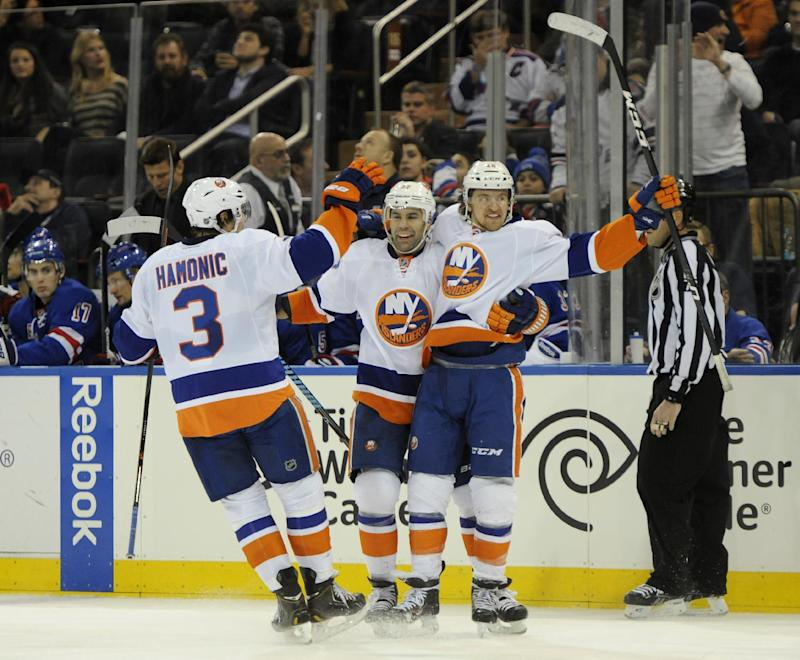Isles score 2 short-handed in win over Rangers