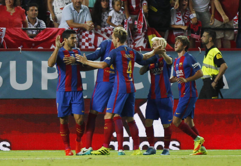 Spanish Super Cup: Barcelona wins first leg thanks to Messi, Suarez magic