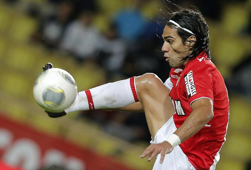 Falcao needs knee surgery, could miss World Cup