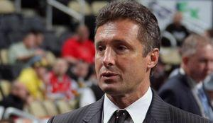 Sharks GM Doug Wilson, others, say it's time to shrink goalie pads