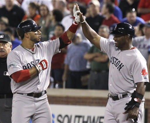 Aviles' RBI single in 9th lifts Red Sox over Texas
