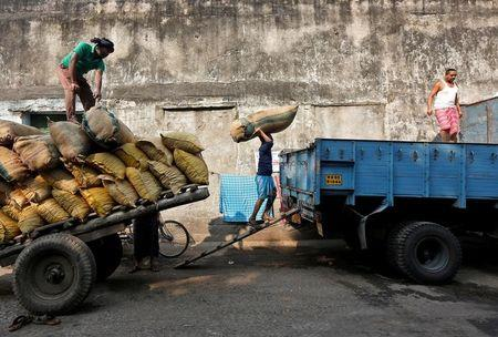 India's Wholesale Price Inflation Rises Less Than Expected