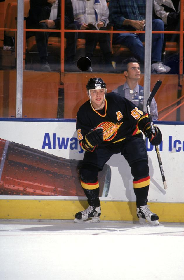 INGLEWOOD, CA - 1995: Pavel Bure #96 of the Vancouver Canucks on the ice during a game against Los Angeles Kings in the 1995 NHL season at the Great Western Forum in Inglewood, California. (Photo by Andy Hayt/Getty Images)
