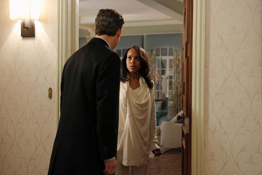 """A Woman Scorned"" - The team continue their investigation into the mole and make a shocking discovery in the process. Meanwhile Fitz orders Jake to continue to protect Olivia, who is still very much in danger, and back at the White House Mellie's ultimatum forces Cyrus into the role of ""fixer,"" on ""Scandal."""