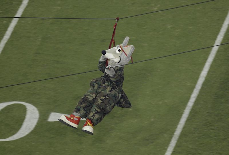 KC Chiefs mascot hurt during practice at Arrowhead