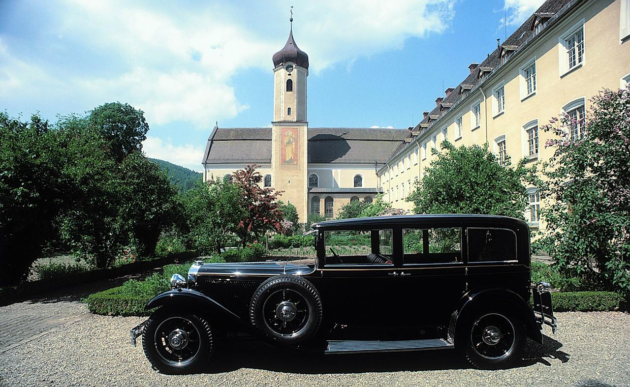 As good as new: In 1983 and 1984, Daimler-Benz AG had the first popemobile completely restored by Mercedes-Benz.