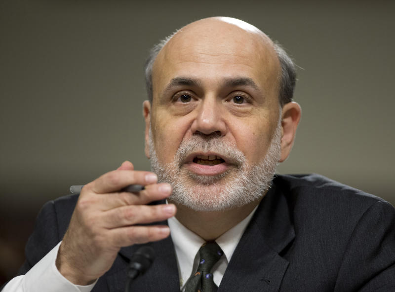 Bernanke signals Fed to maintain stimulus efforts