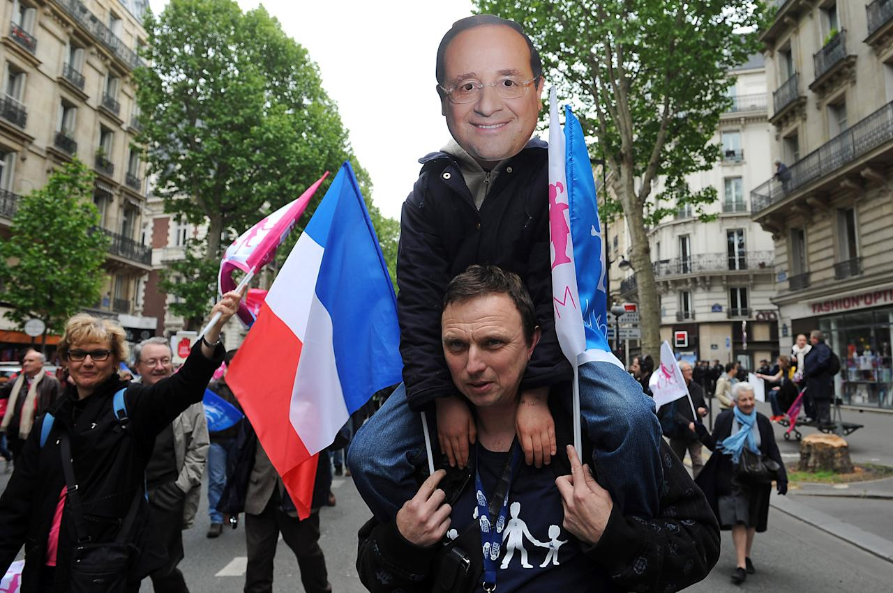 PARIS, FRANCE - MAY 26:  Anti-same sex marriage activists of the anti-gay marriage movement 'La Manif Pour Tous' protest during a demonstration on May 26, 2013 in Paris, France. Parisian Police were expecting up to 200,000 protesters to line the streets today after France became the 14th country to legalise same-sex marriage on May 18. (Photo by Antoine Antoniol/Getty Images)