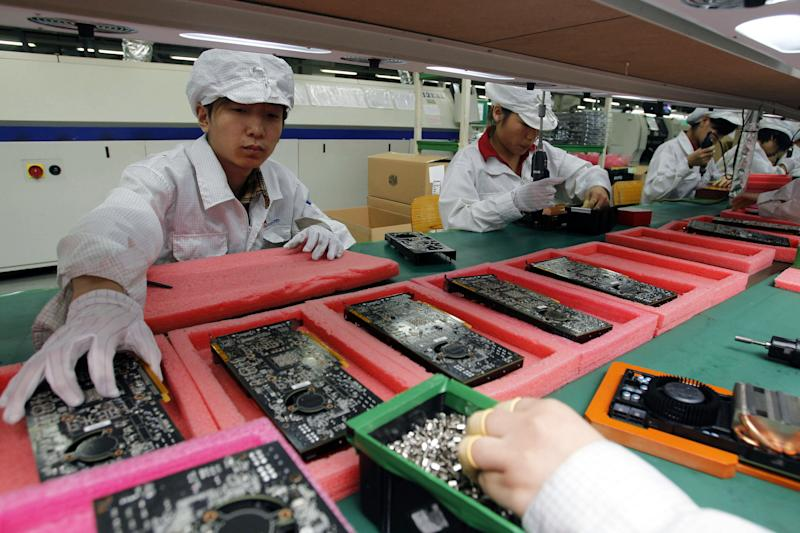 Apple supplier halts China factory after violence