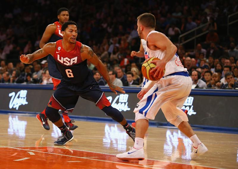 Derrick Rose of the USA defends during the game against Puerto Rico at Madison Square Garden on August 22, 2014