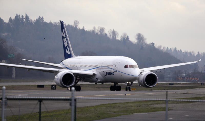 Polish airline to resume flying Boeing 787s June 5