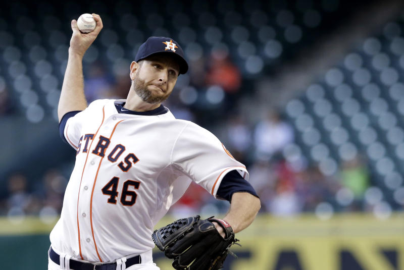 Dominguez single in 9th lifts Astros over Rangers