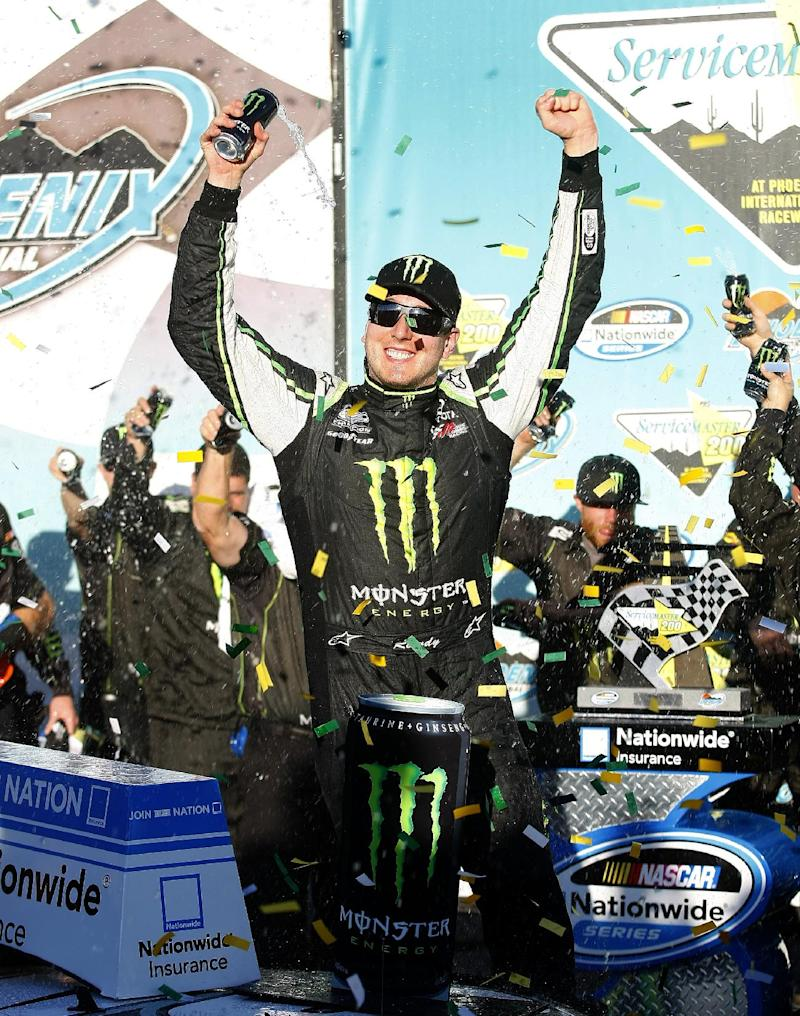Kyle Busch picks up 12th Nationwide Series victory