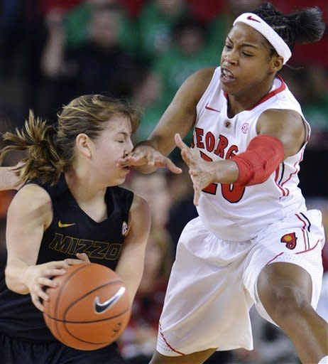 No. 10 Georgia women cruise past Missouri, 77-46