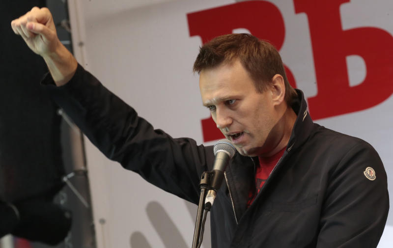 Anti-Putin activist Alexei Navalny ready for trial
