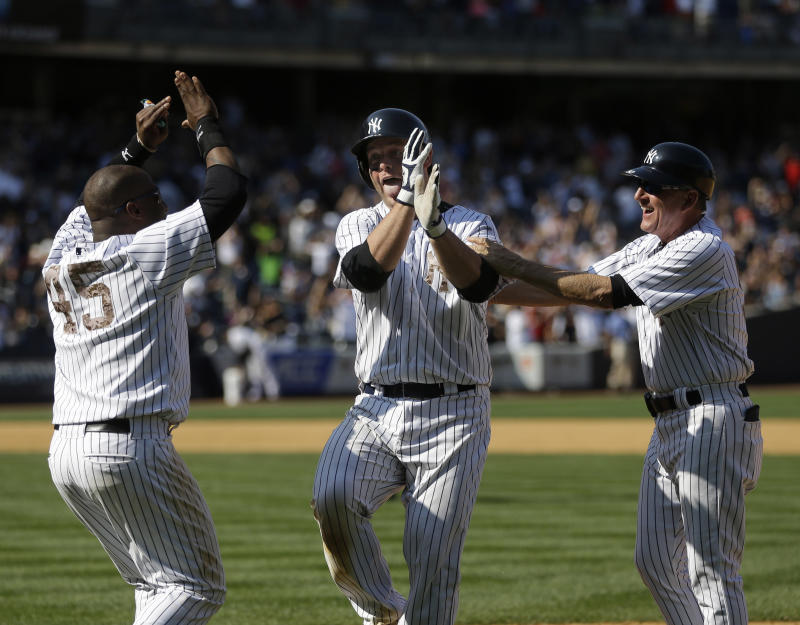 Pop-fly single gives Yankees 3-2 win over Reds