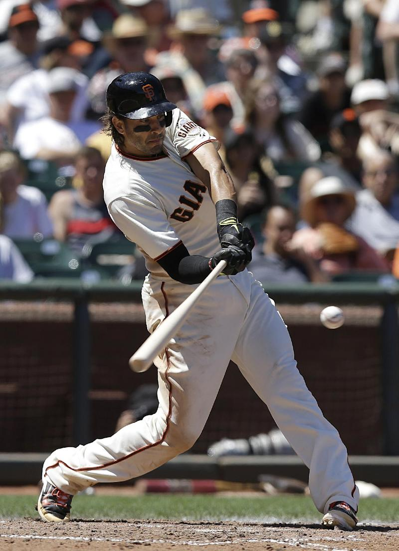 Morse, Bumgarner help Giants sweep Twins