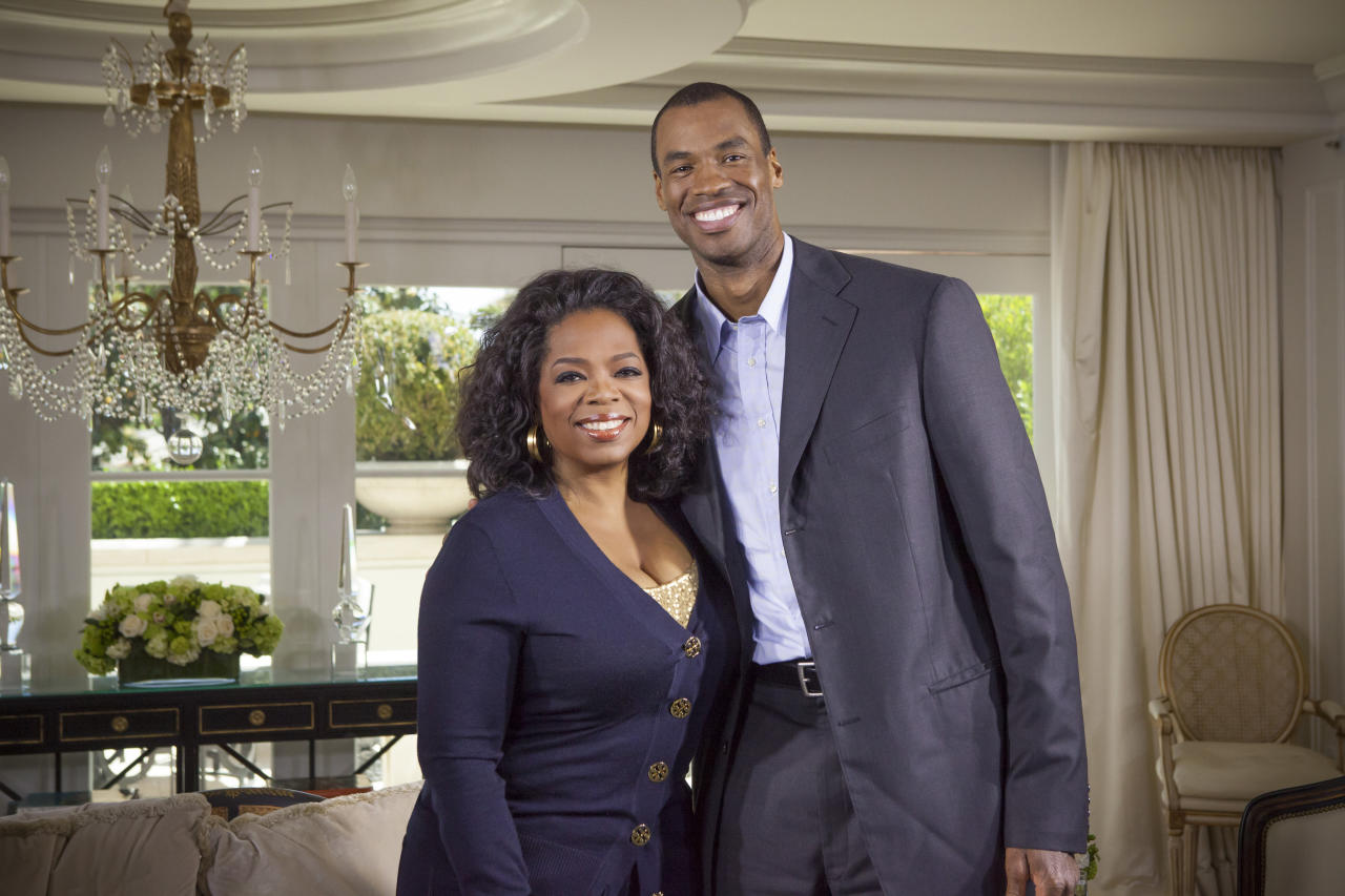 "<p> This May 1, 2013 photo released by OWN shows host Oprah Winfrey posing with NBA basketball player Jason Collins during an interview for ""Oprah's Next Chapter,"" in Beverly Hills, Calif. The interview aired Sunday. Officials at three publishing houses said Monday, May 6, that they had been contacted about a planned memoir by Collins, the first active player in any of four major U.S. professional sports leagues to come out as gay. (AP Photo/OWN, Chuck Hodes)"