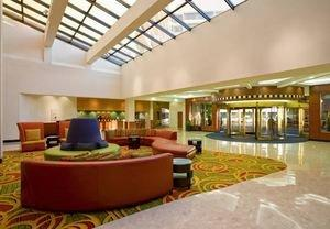 Romantic Hotel Packages, Long Island Attractions Ideal for Couple's Getaway