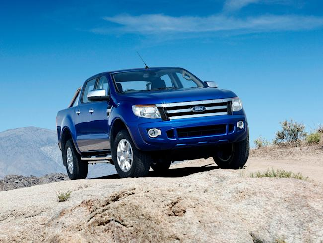 ford bronco   ford ranger  officially making  comeback