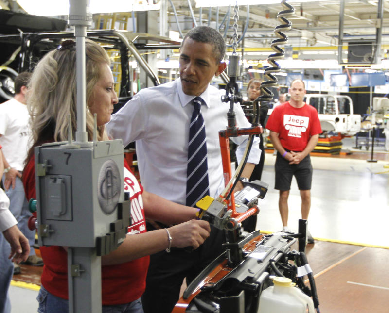 The economy Obama faces: Slow but gaining steadily
