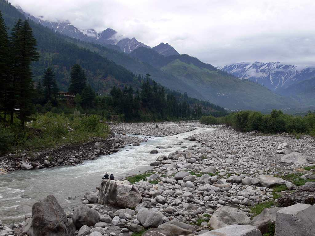 """<b>10. Manali </b><br><br>Charming, alluring and memorable. Manali is defined by its natural beauty, its warm and friendly locals and the quality to welcome and embrace everyone, especially couples. The weather adds to Manali's natural charm and a romantic holiday to this place will be nothing short of memorable. Ashoka from Dehradun adds and says, """"It is a nice place to visit and enjoy the snow. Rohtang and Solang should be visited. It's a place where there is something for everyone."""""""