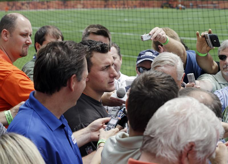 With Manziel in camp, Browns look to manage crush