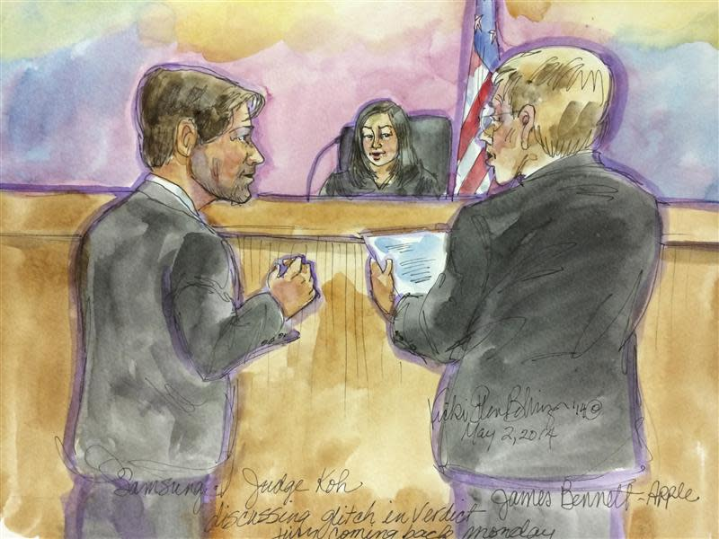 Courtroom drawing of lawyers discussing verdict as U.S. District Judge Lucy Koh listens at conclusion of a mobile phone patent infringement lawsuit between Apple and Samsung in San Jose, California