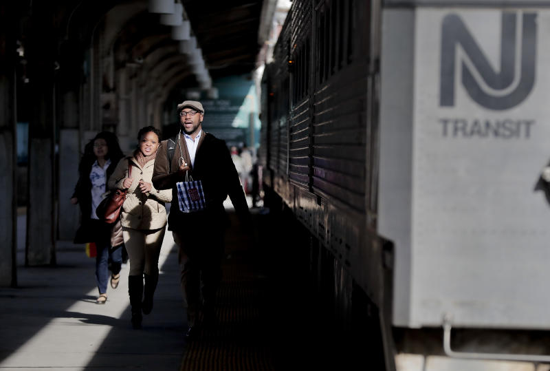 Gov. Christie halts Amtrak payments, calls for inspection