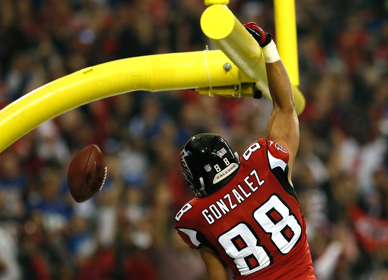 ATLANTA, GA - DECEMBER 16:  Tony Gonzalez #88 of the Atlanta Falcons celebrates a touchdown against the New York Giants at Georgia Dome on December 16, 2012 in Atlanta, Georgia.  (Photo by Kevin C. Cox/Getty Images)