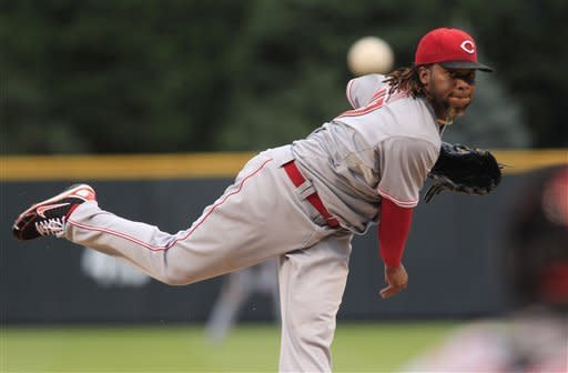 Ludwick homers twice in Reds' 9th straight win