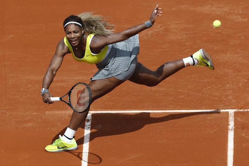 Federer, Williams sisters win on Day 1 at French
