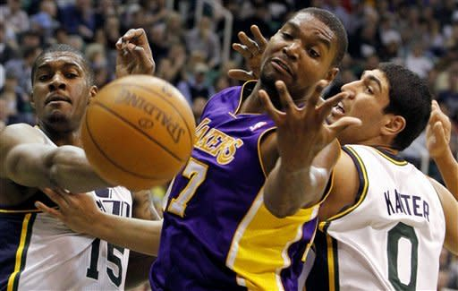 Bryant scores 40 points, Lakers beat Jazz in OT