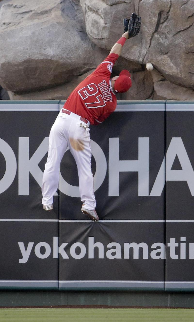 Trout's go-ahead HR helps Angels beat Twins 8-6