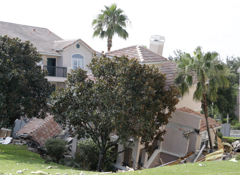 To guests, Fla. sinkhole sounded like thunderstorm