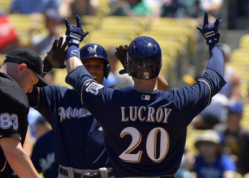 Lucroy powers Brewers over Dodgers 7-2