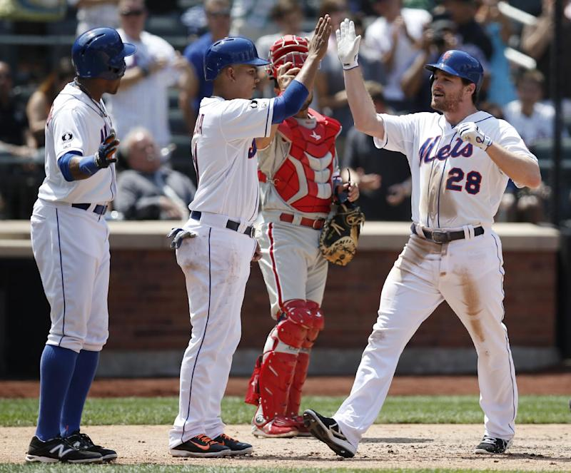 Mets rout Phillies 11-2; Wheeler strong again