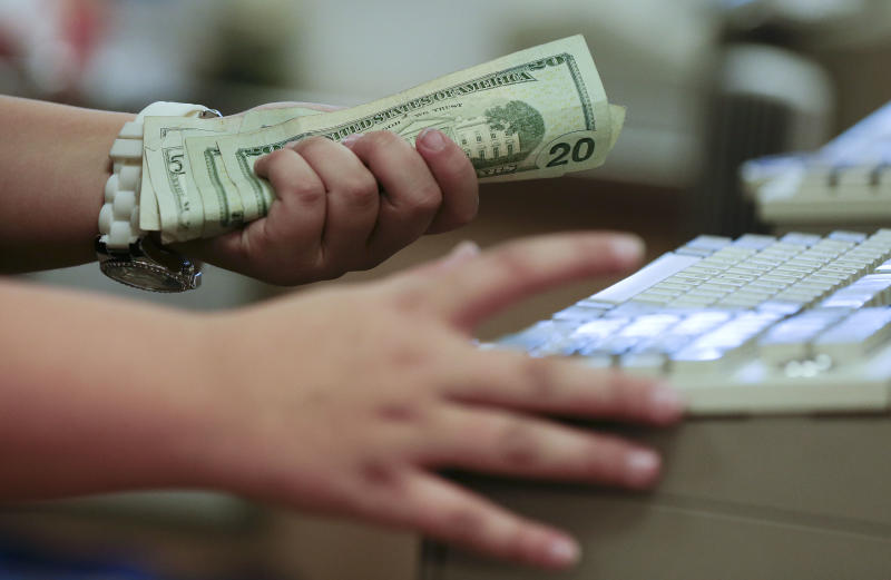 US consumer debt rises on more car, school loans