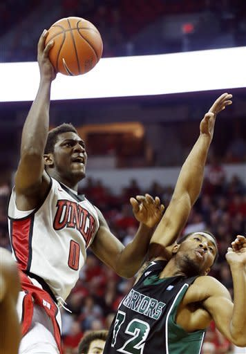 No. 24 UNLV pulls away to beat Hawaii 77-63