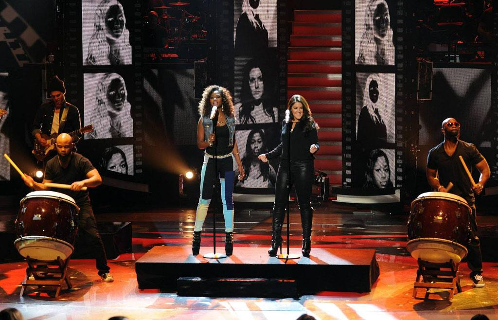 "Amber Holcomb and Kree Harrison perform ""Rumour Has It"" on the Wednesday, April 24 episode of ""American Idol."""
