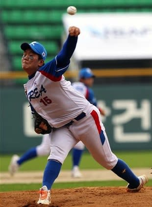 17-year-old Lee Su-Min, who is averaging 139 pitches per game — IBAF.org