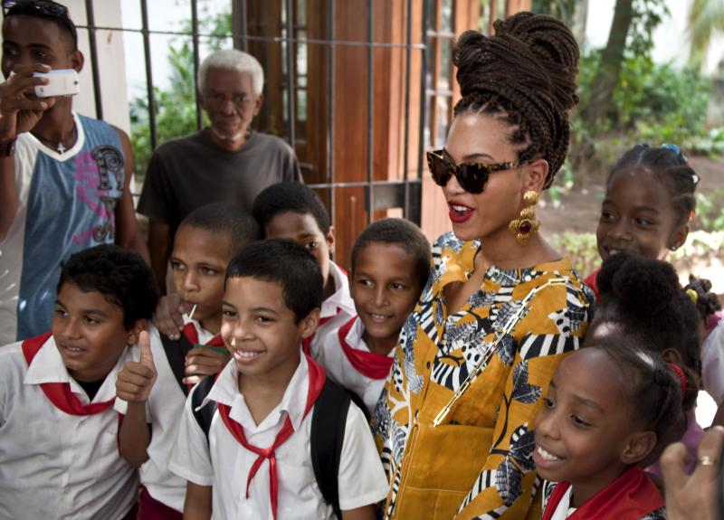 Beyonce, Jay-Z turn heads in Havana