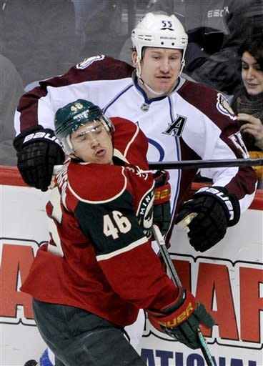 Backstrom makes 27 saves, Wild top Avalanche 1-0
