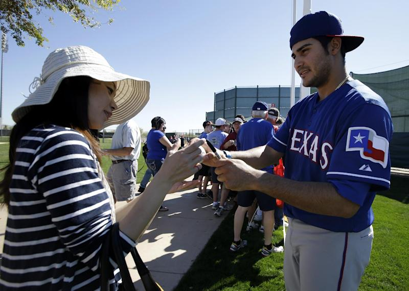 Rangers RHP Lewis trying for another comeback