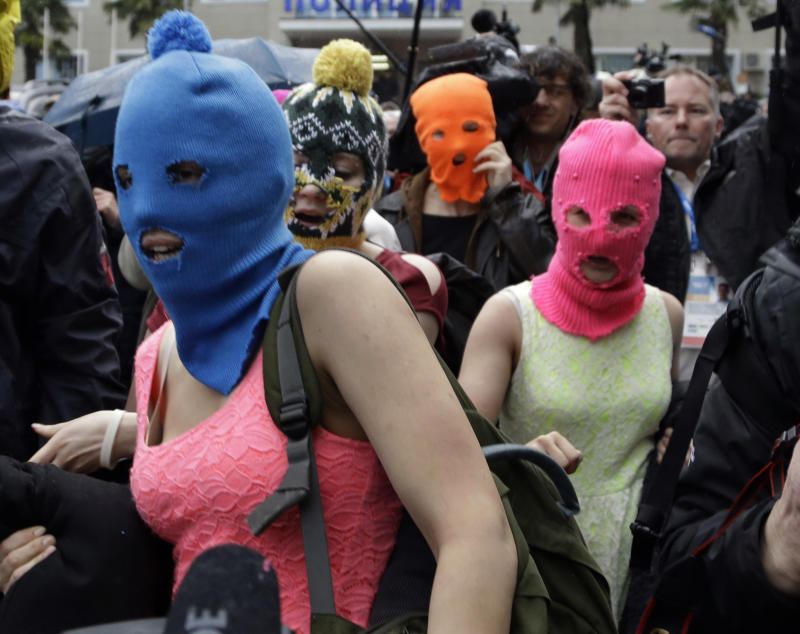 Russian security forces attack Pussy Riot members