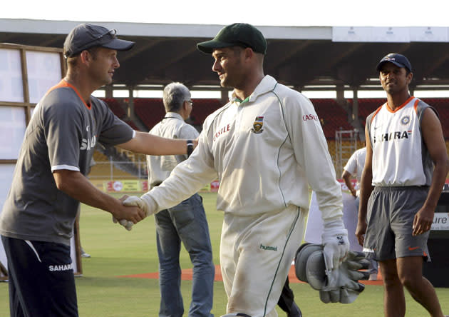 AHMEDABAD, INDIA - APRIL 5:  Gary Kirsten congratulates Mark Boucher of South Africa on their win during Day 3 of the second test match between India and South Africa held at Sardar Patel Gujarat Stadium on April 5, 2008 in Motera, Ahmedabad, India. (Photo by Duif du Toit/Gallo Images/Getty Images) *** Local Caption *** Mark Boucher;Gary Kirsten